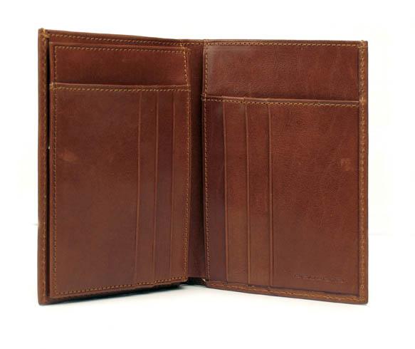 Мъжки портфейл Piquadro с 11 отделения за кредитни карти