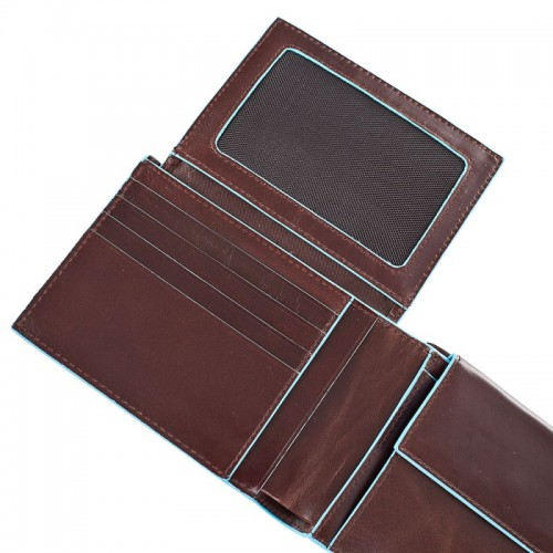 Мъжки портфейл Piquadro с 8 отделения за кредитни карти