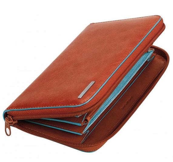 Дамски портфейл Piquadro с 11 отделения за кредитни карти