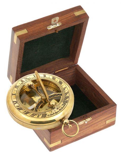 Компас - TOBAGO Sun-Dial в дървена подаръчна кутия