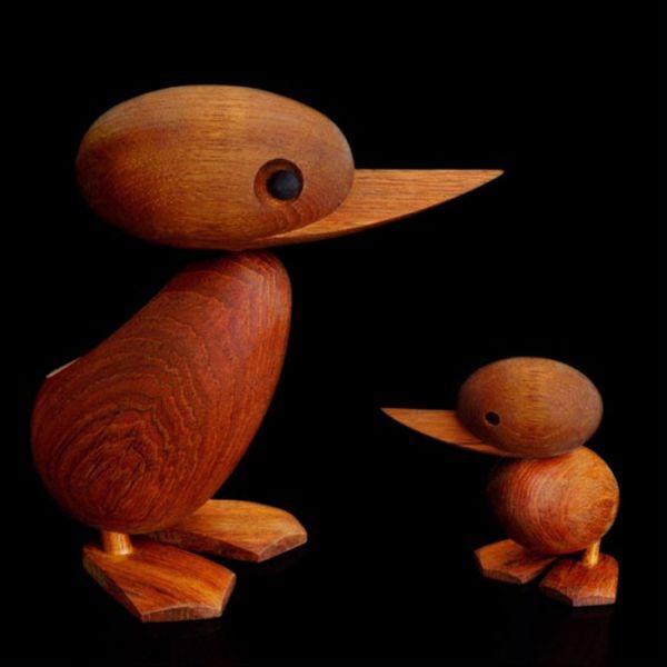 Дизайнерска фигурка - мама патица, дървена