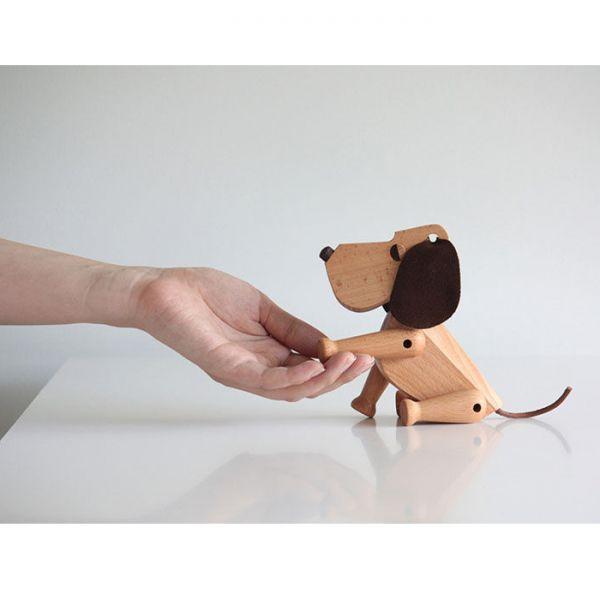 Дизайнерска фигурка - куче Оскар, дървено
