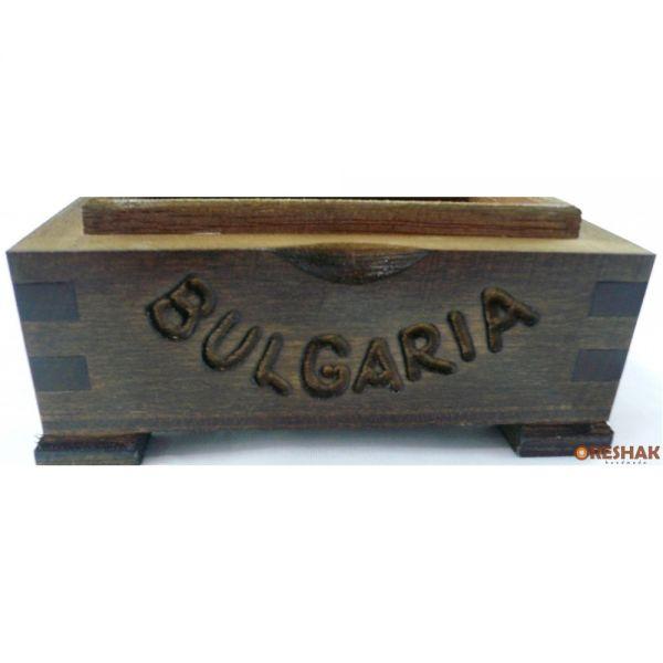 Среден скрин с български мотиви