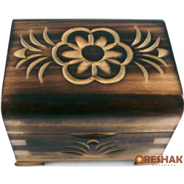Кутия за пръстени, с дърворезба, орех