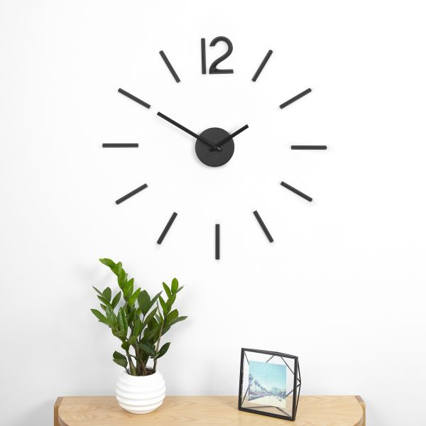 """UMBRA Часовник за стена """"BLINK"""" - цвят черен"""