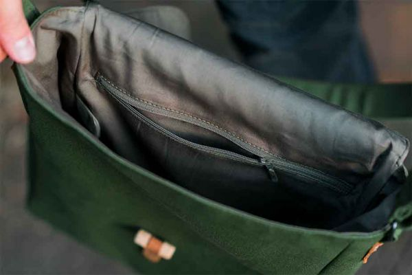 Малка кожена мъжка чанта DiGeordie, Тъмно син