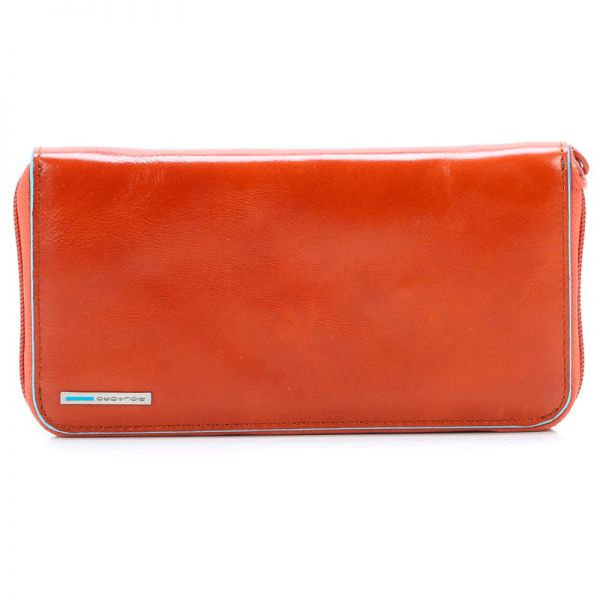 Луксозен дамски портфейл Piquadro от естествена кожа