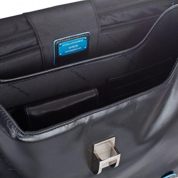 Хоризонтална бизнес чанта Piquadro с едно отделение