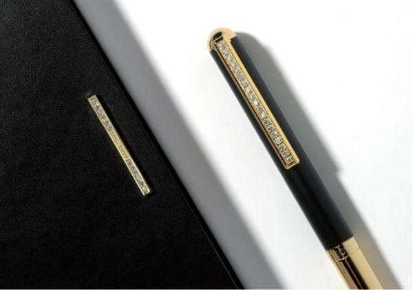 Комплект бележник А5, ключодържател и метална химикалка Nina Ricci  Lien Ivoire